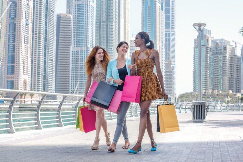 Choć bogactwo Dubaju widać na każdym roku, nie wszystko co można tam kupić jest megadrogie