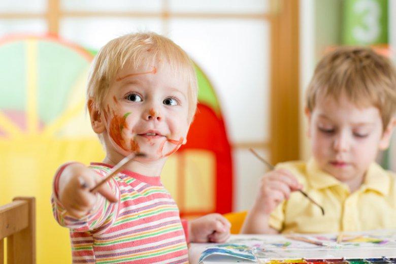 Sale zabaw muszą być kontrolowane regularnie ze względu na swój charakter.