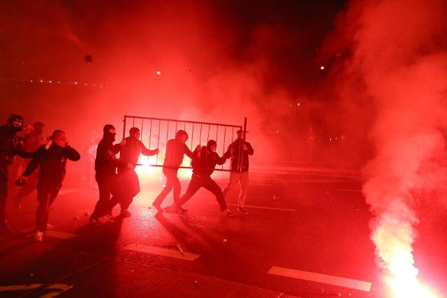 Podczas zamieszek 11 listopada policja zatrzymała 276 osób. Były wśród nich osoby nieletnie