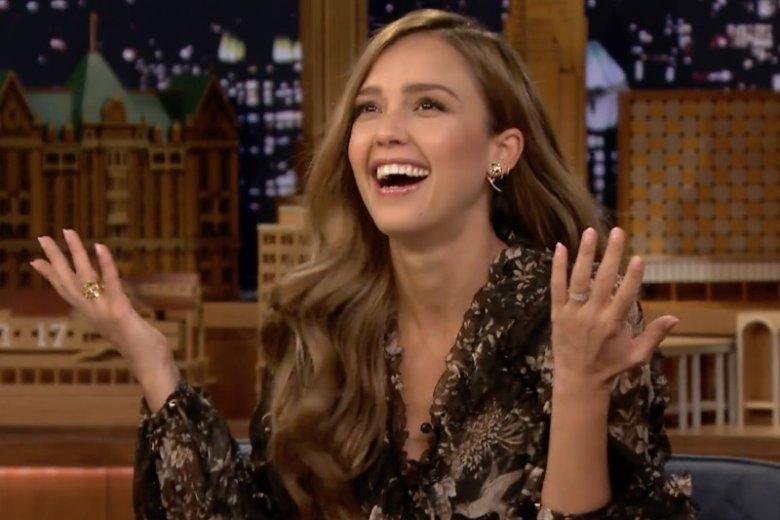 Jessica Alba wystąpiła w telewizyjnym show, w którym zdradziła jaką zasadą kierują się z mężem przy wyborze imion dla dzieci.