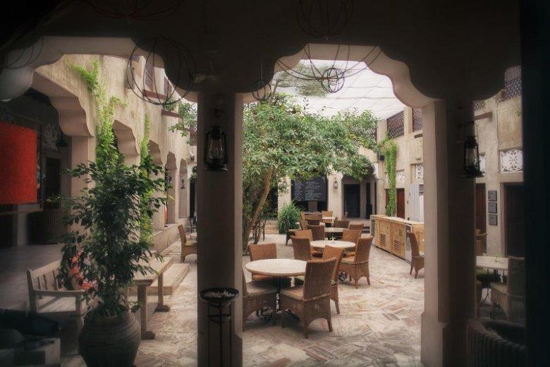Patio w hotelu XVA Hotel w dzielnicy Al Fahidi