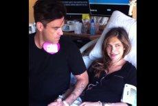 Robbie Williams w szpitalu ze swoją wybranką, Aydą Field.