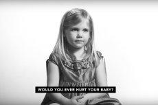 Kilkuletnia dziewczynka jest jedną z bohaterek filmu organizacji pro-life