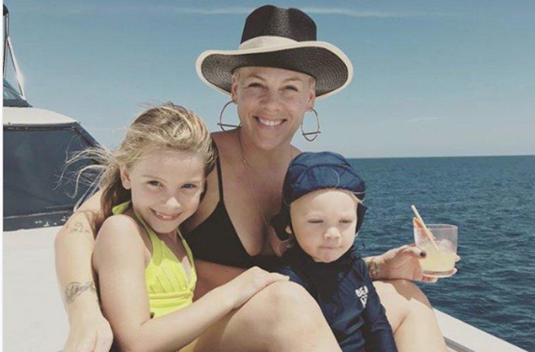Pink z córką i synem na wakacjach