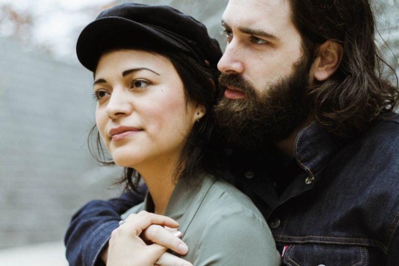Uzależniony emocjonalnie w relacjach z partnerem, który jest mu niezbędny do dobrego samopoczucia, doświadcza stanu podobnego do upojenia.