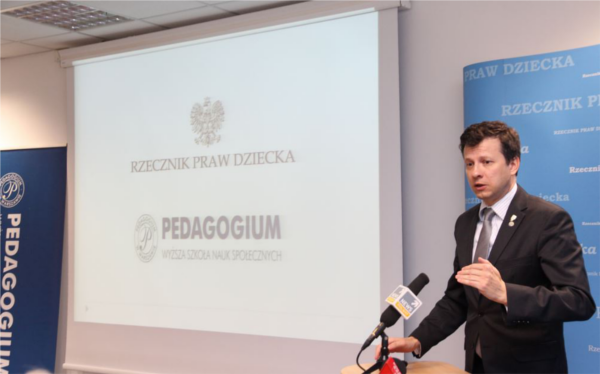 Rzecznik Praw Dziecka Marek Michalak przedstawia wyniki raportu