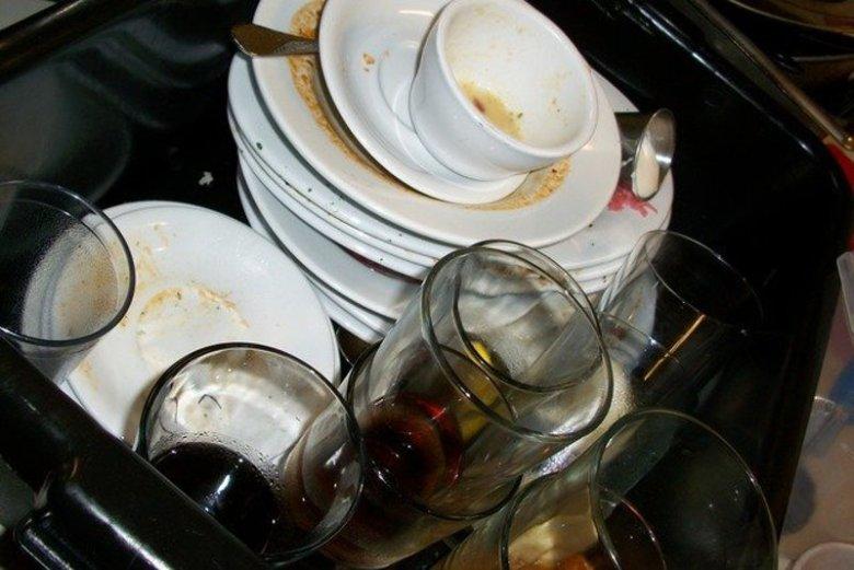 Dodaj octu do płynu do mycia naczyń – ułatwisz sobie zmywanie