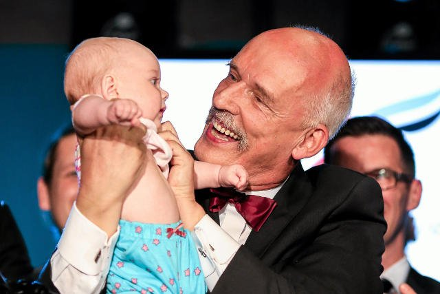 Janusz Korwin-Mikke stracił stanowisko szefa partii, bo urodziły mu się nieślubne dzieci.