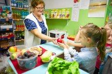 Wkrótce w sklepikach szkolnych można będzie kupować wyłącznie zdrowe produkty. Sejm zdecydował o usunięciu z nich śmieciowego jedzenia