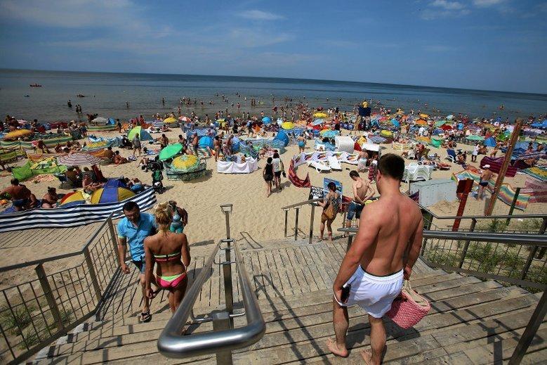 Połowa Polaków nie znosi widoku nagich dzieci na plaży