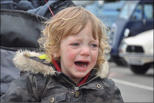 Krzyk może destrukcyjnie wpływać na rozwój dziecka.
