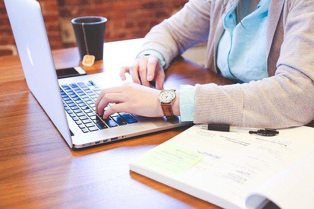 Fot. Pixabay / [url=https://pixabay.com/pl/dla-u%C5%BCytkownik%C3%B3w-domowych-wpisuj%C4%85c-849825/]StartupStockPhotos[/url] / [url=https://pixabay.com/pl/service/terms/#usage]CC0 Public Domain[/url]