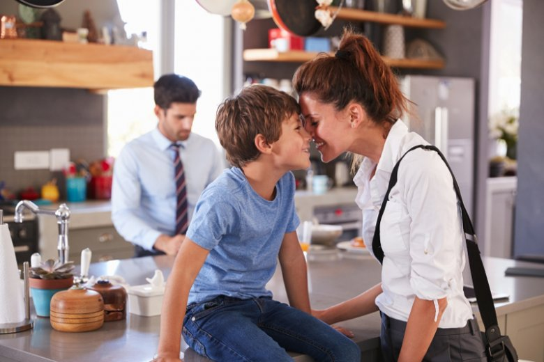 Większość osób ochoczo korzysta z urlopów związanych z wychowaniem dzieci. Najczęściej wybierany jest urlop rodzicielski trwający 6-12 miesięcy