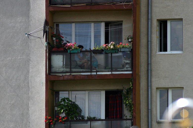Czy na balkonie można robić grill i palić papierosy?