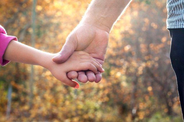 Stwórz bezpieczny styl przywiązania ze swoim dzieckiem