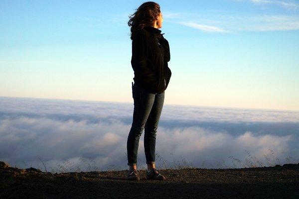 Fot. Pexels / [url=https://www.pexels.com/photo/woman-nature-hilltop-fresh-38109/]unsplash.com[/url]/[url=https://www.pexels.com/photo-license/]CC0 License[/url]