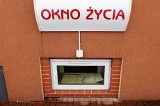 Dwójka dzieci pozostawiona w oknie życia w Olsztynie.