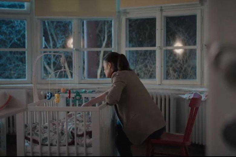 """""""1800 gramów"""" to wzruszający film o dzieciach, które czekają na miłość"""