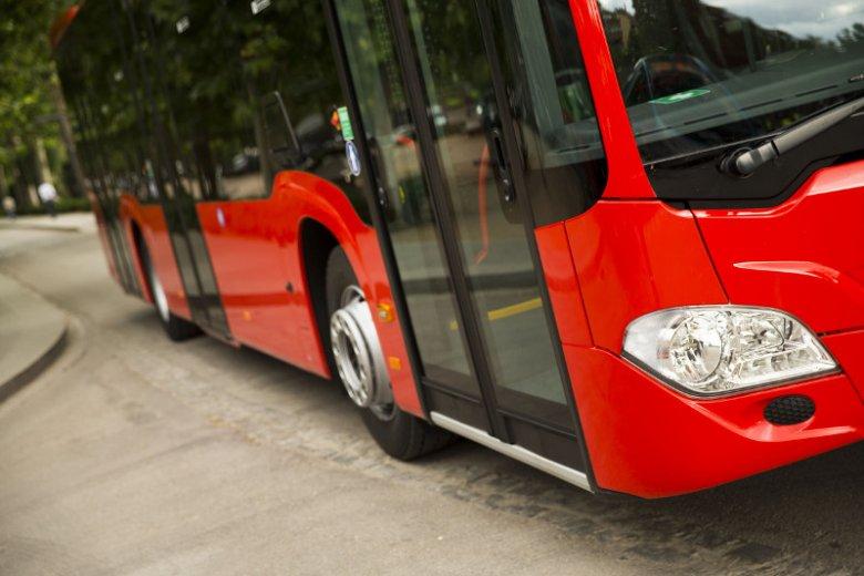 Dziewczynka pobiegła szukać pomocy u kierowcy autobusu