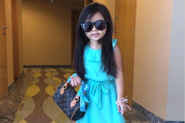 Breanna Youn to jedno z najbardziej znanych dzieci na świecie. Popularność i sponsorów zdobyła dzięki serwisom społecznościowym.