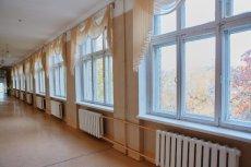 W szkole na Białowieskiej w Warszawie policja podejrzewa rodzicielskie uprowadzenie.