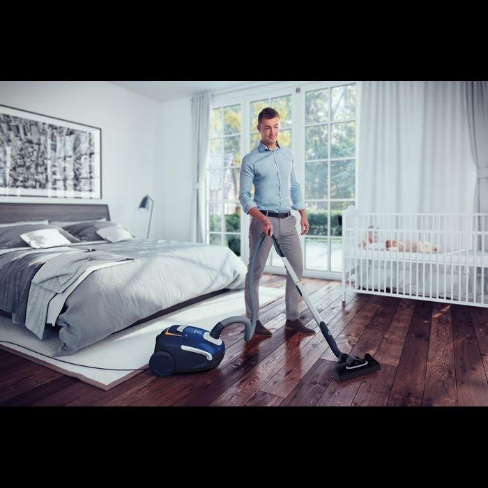 Powielanie stereotypów w reklamach sprzętu AGD.