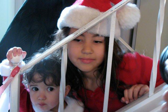 Wiele dzieci czekających na prezenty będzie rozczarowanych. Rodzice planują kupić im inne prezenty od tych, o których marzą.