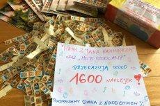 Rodzice z Warszawy co rok zbierają naklejki na Słodziaki i przekazują je Centrum Zdrowia Dziecka