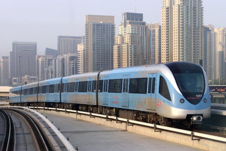 Dubaj posiada rozbudowany system metra złożony z 2 linii i liczący ponad 50 stacji