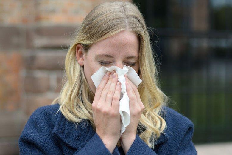 Sezon na kichanie i katar możemy uznać za otwarty! Jak sobie poradzić z pierwszymi objawami przeziębienia?