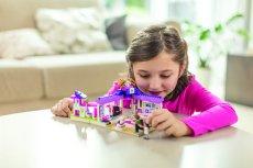 Jak wprowadzić dzieci do świata klocków? Przygodę z tymi zabawkami można zacząć od takich zestawów tematycznych jak LEGO Friends