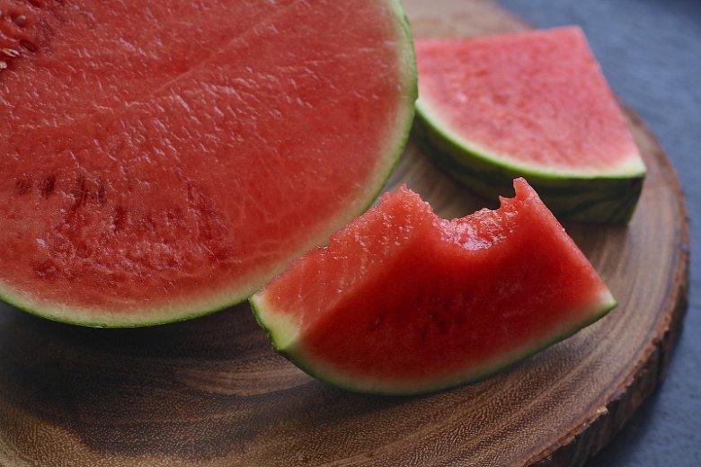 Czy pestki arbuza są jadalne? Poznaj ich właściwości.