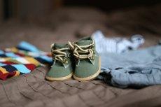 Fot. Pixabay / [url=https://pixabay.com/en/shoes-pregnancy-child-clothing-505471/]sebagee[/url] / [url=https://pixabay.com/service/terms/#usage]CC0 Public Domain[/url]