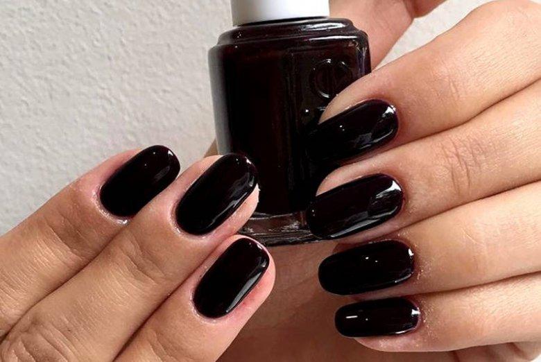 Czarne paznokcie świadczą o twojej odwadze!