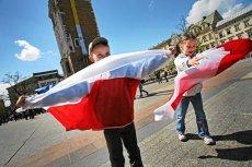 Patriotyzm nie musi być równoznaczny z demonstracjami, burdami i paleniem ulic