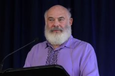 Fot. Screen z Youtube / [url=https://www.youtube.com/watch?v=YRPh_GaiL8s]Andrew Weil, M.D.[/url]