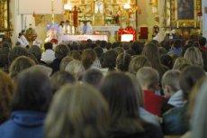 Monika i Hubert Wińczyk protestują przeciwko organizowaniu rekolekcji w czasie zajęć szkolnych.
