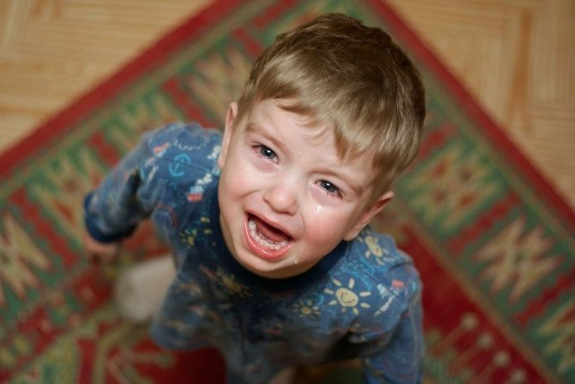 """Jeśli dziecko słyszy to samo zdanie kilka razy dziennie, """"uodparnia"""" się na nie"""