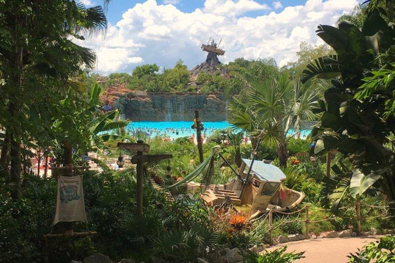 Park wodny Disney's Typhoon Lagoon jest częścią gigantycznego kompleksu rozrywkowego Walt Disney World Resort