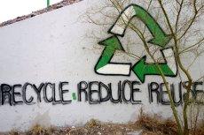 Recycle - reduse - reuse, czyli przetwarzaj produkty odnawialne, ograniczaj zużycie wody i produkcję śmieci oraz używaj ponownie. Te trzy hasła to kwintesencja życia w stylu eko.