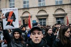 Zwolenników prawa do przerywania ciąży do 12. tygodnia ciąży niezależnie od okoliczności jest w Polsce 53 proc.