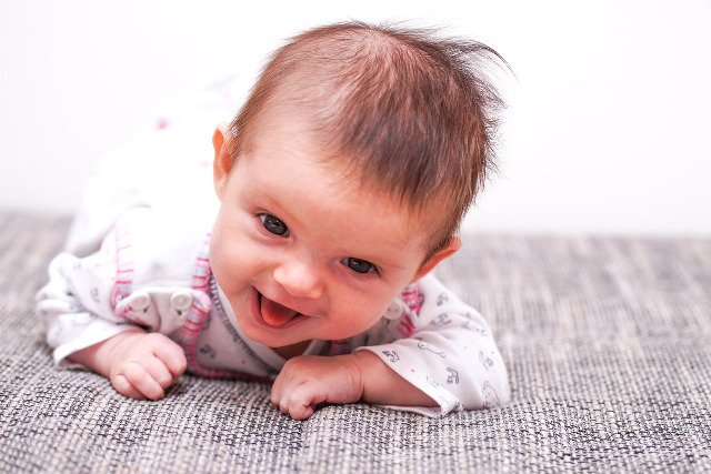Fot. Pixabay / [url=https://pixabay.com/pl/dziecko-dziewczyna-twarz-zobacz-786697/]wsucht[/url] / [url=https://pixabay.com/pl/service/terms/#usage]CC0 Public Domain[/url]