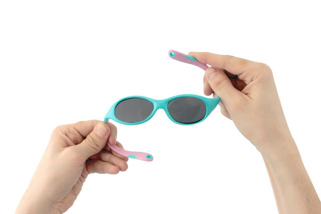 Odporne na zgniatanie i wyginanie oprawki okularów Real Kids Shades wykonano z materiału wolnego od toksycznych substancji.