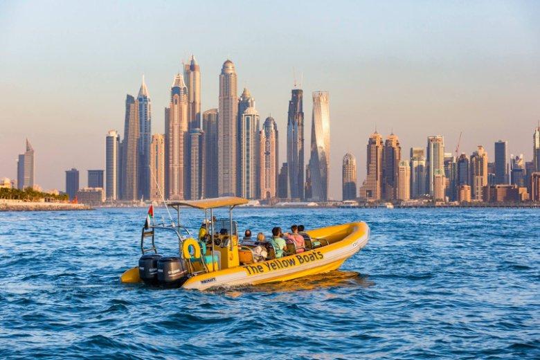 Żyjący z turystyki Dubaj to miejsce, gdzie sezon wakacyjny trwa tak naprawdę cały rok