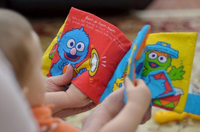 Regularne czytanie ma niebagatelny wpływ na prawidłowy rozwój mowy Twojego dziecka.