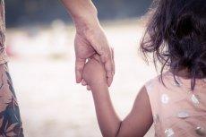 Ponad 750 tys. dzieci zostało bez wsparcia