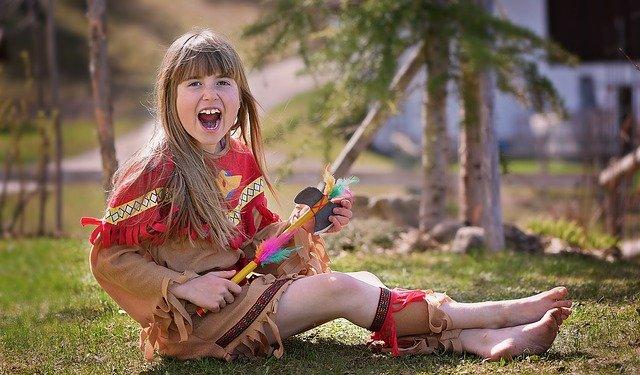 Fot. Pixabay/[url=https://pixabay.com/pl/dziecko-dziewczyna-indianie-759982/]Pezibear[/url] / [url=  http://pixabay.com/pl/service/terms/#download_terms]CC O[/url]
