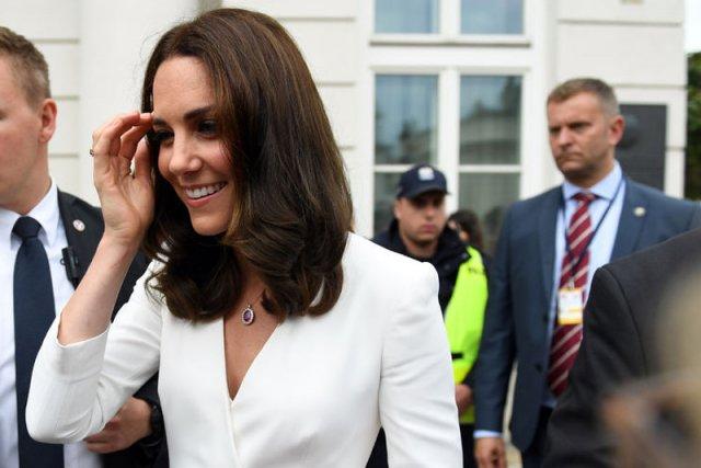 Księżna Kate urodzi w domu.