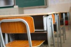Nauczyciel w warszawskiej szkole bezkarny.
