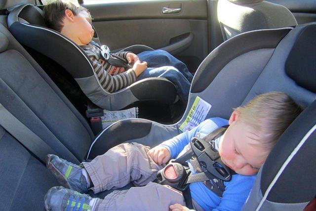 Ministerstwo infrastruktury przygotowuje przepisy, które doprecyzują zasady przewożenia dzieci w samochodach.